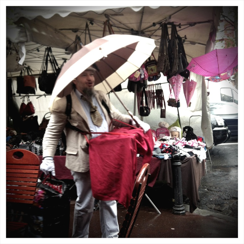 Clignancourt - the rain didn't stop anyone at this fabulous flea market!