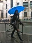 Rain does not stop the Parisians