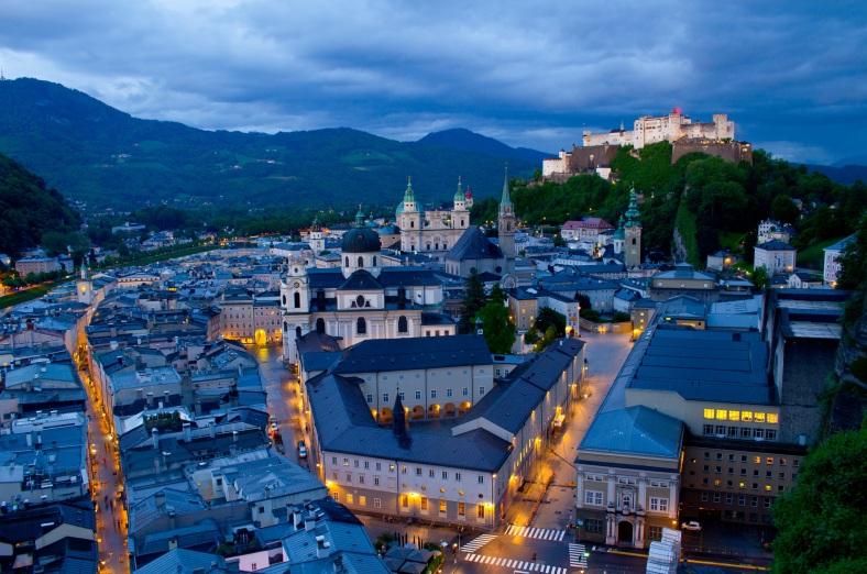 Salzburg Austria #2sistersinparis