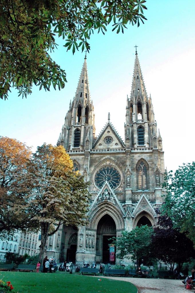 cathedral in paris at #2sistersinparis