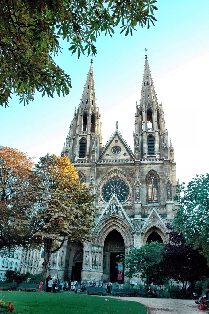 cathedral in paris at #2sistersinparis